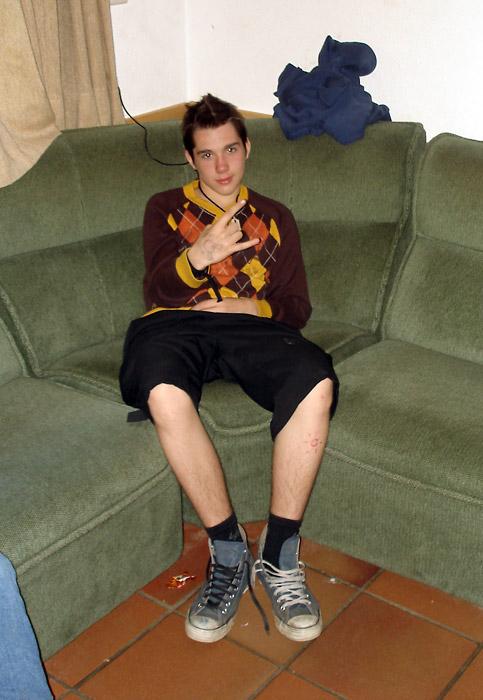 julian-kind8_sofa
